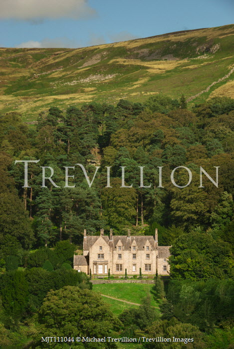 Michael Trevillion Country house and forest Houses