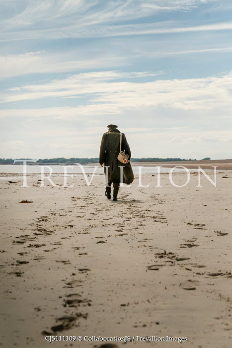 CollaborationJS WW2 SOLDIER WALKING ON SANDY BEACH Men