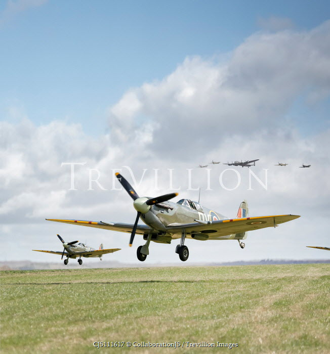 CollaborationJS WARTIME AEROPLANES LANDING ON AIRFIELD Miscellaneous Transport