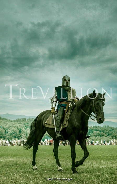 Stephen Mulcahey MEDIEVAL KNIGHT ON HORSE WITH ARMY IN FIELD Men