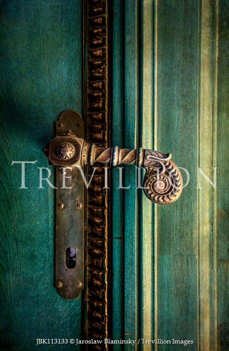 Jaroslaw Blaminsky GREEN DOOR WITH DECORATIVE HANDLE Building Detail