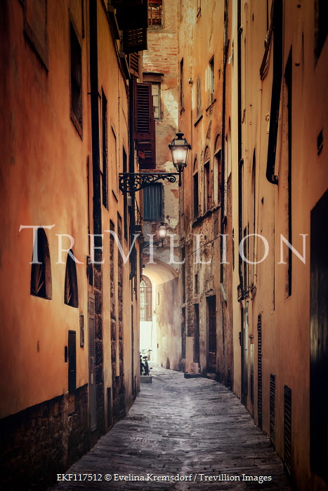 Evelina Kremsdorf Alley in Florence, Italy