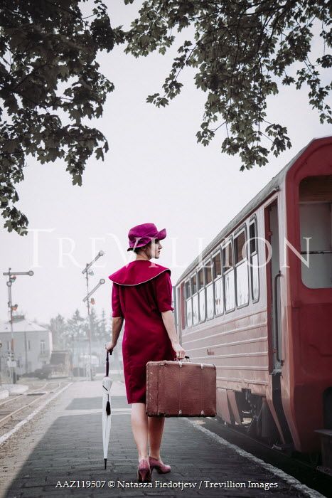 Natasza Fiedotjew Vintage woman at train station