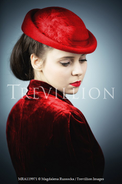 Magdalena Russocka elegant retro woman in red inside