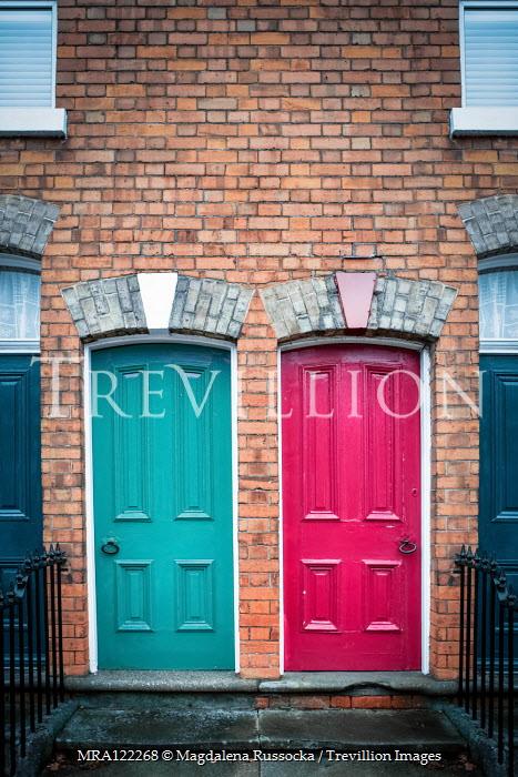 Magdalena Russocka TWO DOORS IN TERRACED HOUSES Houses