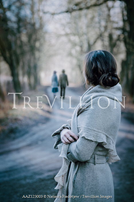 Natasza Fiedotjew vintage couple walking away from woman