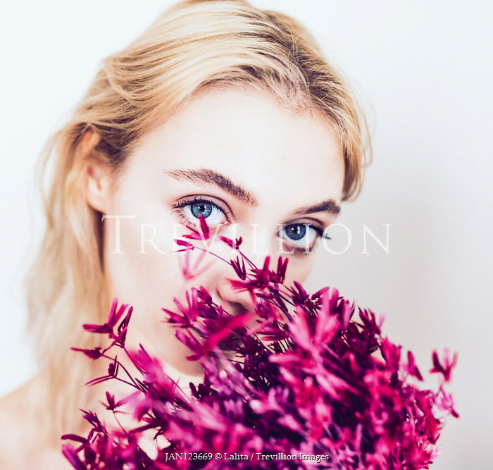 Jessica Lia BLONDE GIRL SMELLING PINK FLOWERS Women