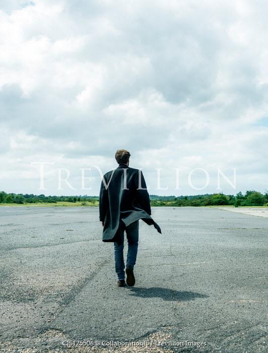 CollaborationJS MAN IN COAT WALKING IN COUNTRYSIDE Men
