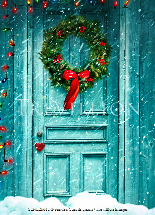 Sandra Cunningham DOOR WITH CHRISTMAS WREATH AND LIGHTS IN SNOW Building Detail