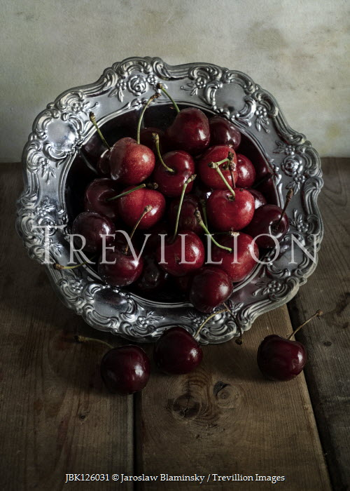Jaroslaw Blaminsky ENGRAVED SILVER BOWL WITH CHERRIES Miscellaneous Objects