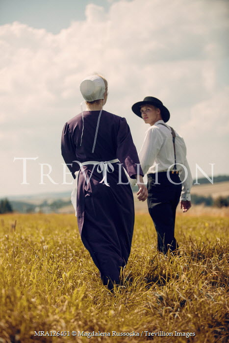 Magdalena Russocka AMISH COUPLE WALKING IN FIELD Couples