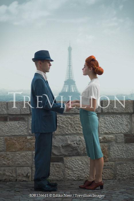 Ildiko Neer Vintage couple standing in Paris