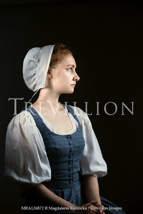 Magdalena Russocka HISTORICAL MAID WITH RED HAIR SITTING Women