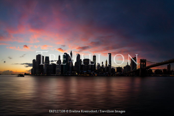 Evelina Kremsdorf Cityscape at sunset in Manhattan, New York City, USA