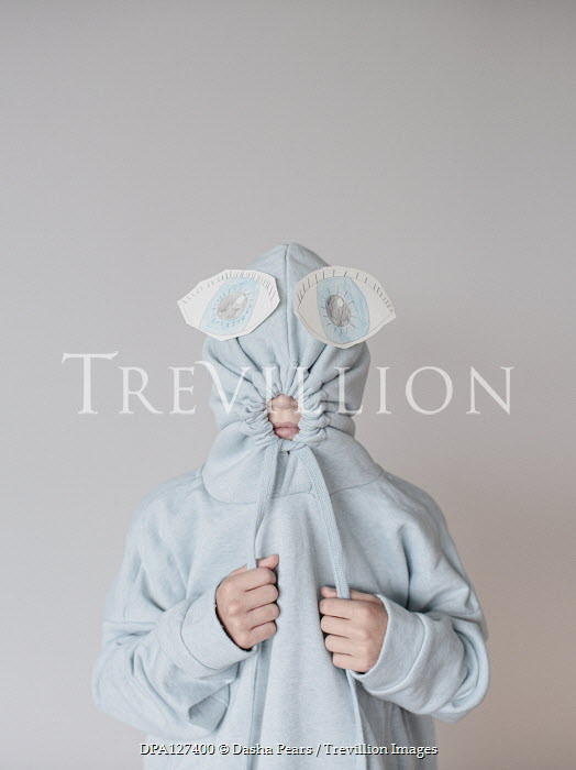 Dasha Pears CHILD COVERED IN HOOD WITH LARGE PAPER EYES Children