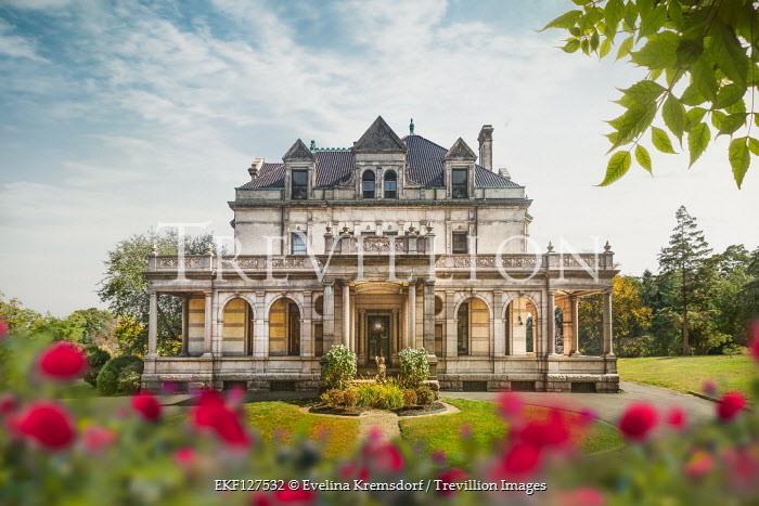 Evelina Kremsdorf Estherwood Mansion in Dobbs Ferry, New York, USA