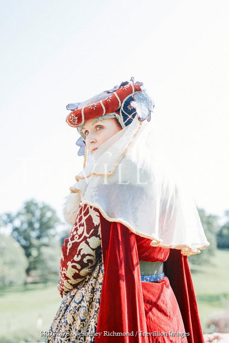 Shelley Richmond TUDOR WOMAN WITH HEADDRESS AND VEIL OUTDOORS Women