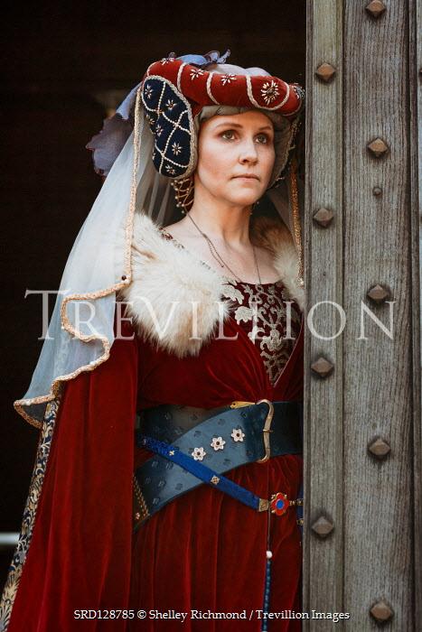 Shelley Richmond TUDOR WOMAN IN HEADDRESS BY OPEN DOORWAY Women