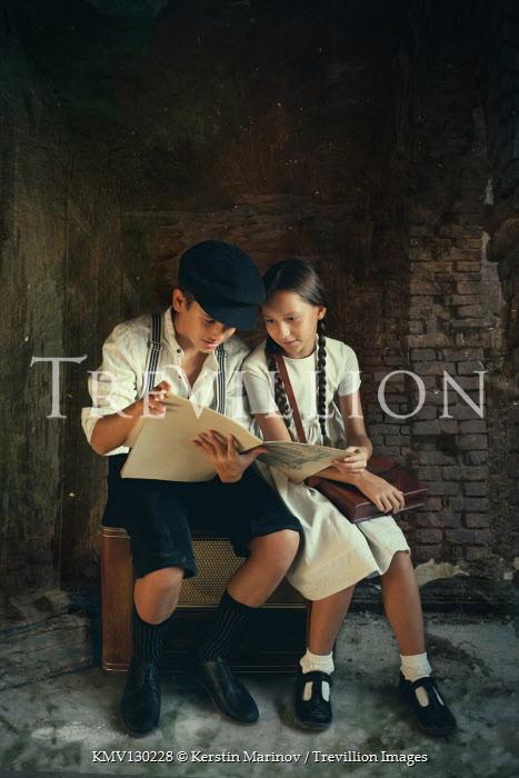 Kerstin Marinov Boy and girl reading sheet music