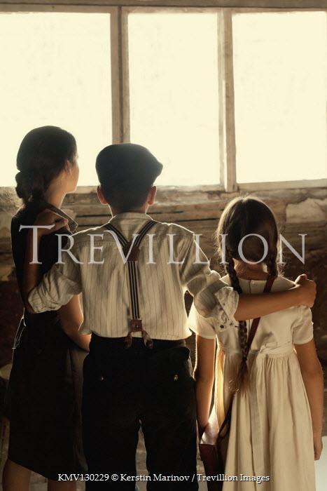Kerstin Marinov Children by window