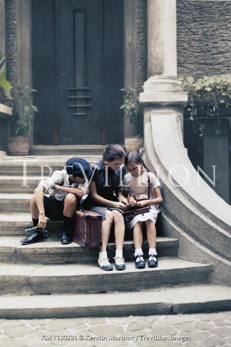 Kerstin Marinov Children sitting on steps
