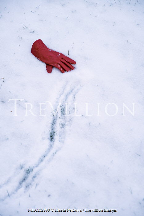 Maria Petkova RED GLOVE WITH TRACKS LYING IN SNOW Miscellaneous Objects
