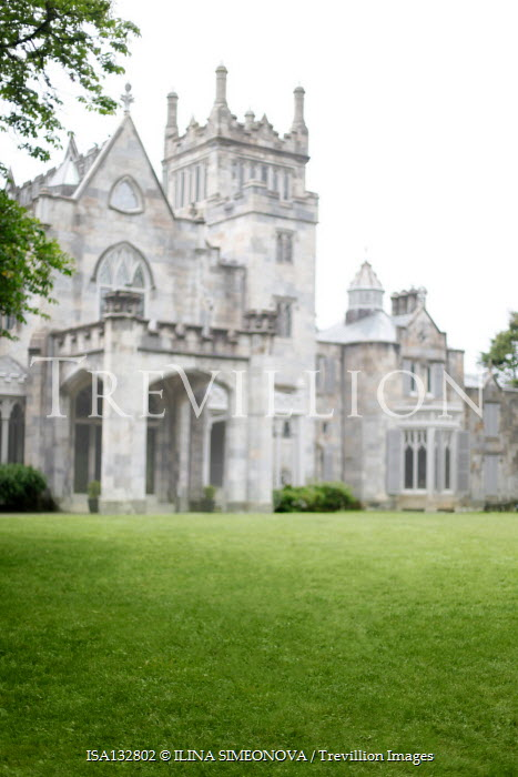 ILINA SIMEONOVA LARGE HISTORICAL BUILDING WITH GARDEN Houses