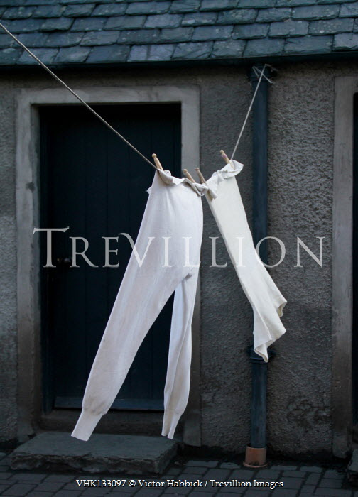 Victor Habbick CLOTHES ON WASHING LINE OUTSIDE HOUSE Miscellaneous Objects