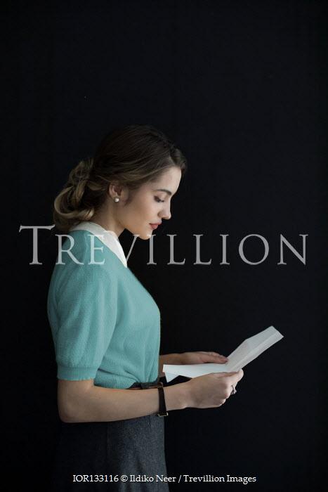 Ildiko Neer Retro woman reading letter