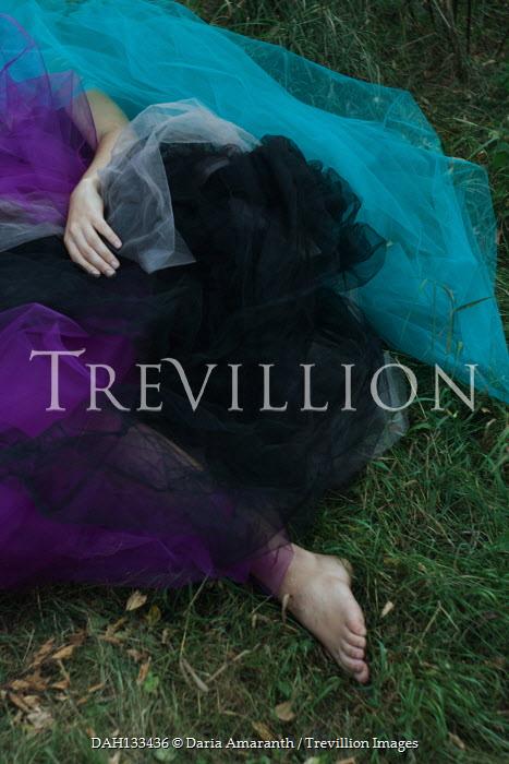 Daria Amaranth WOMAN LYING ON GRASS COVERED WITH CHIFFON Women