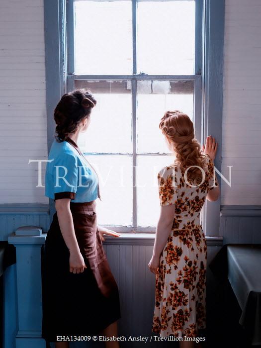 Elisabeth Ansley TWO RETRO WOMEN WATCHING AT WINDOW