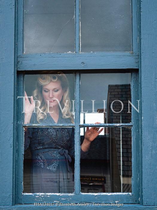 Elisabeth Ansley BLONDE RETRO WOMAN WATCHING AT WINDOW