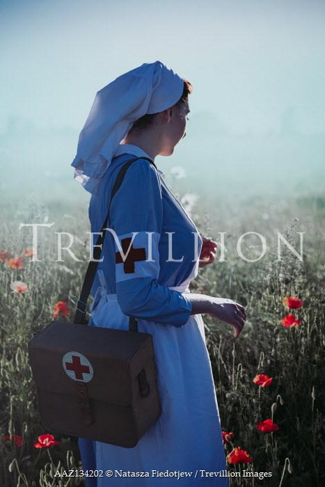 Natasza Fiedotjew war nurse in poppy field