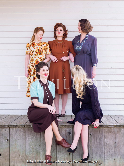 Elisabeth Ansley HAPPY GROUP OF RETRO WOMEN ON VERANDA