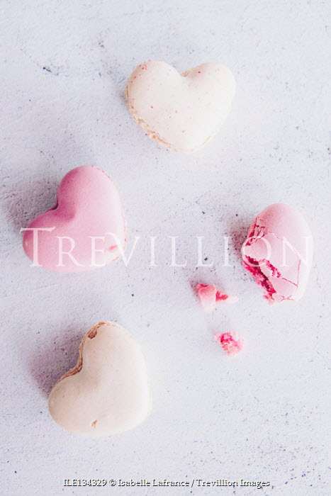 Isabelle Lafrance MACAROONS WITH BROKEN PINK MACAROON