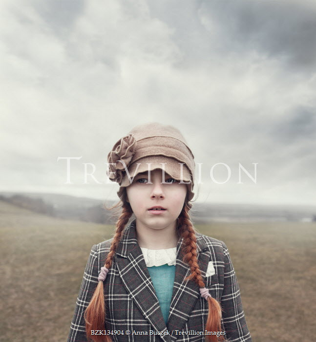 Anna Buczek YOUNG RETRO GIRL IN HAT IN COUNTRYSIDE