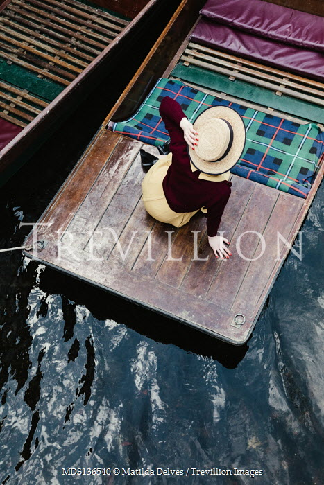 Matilda Delves RETRO WOMAN IN HAT SITTING IN PUNT