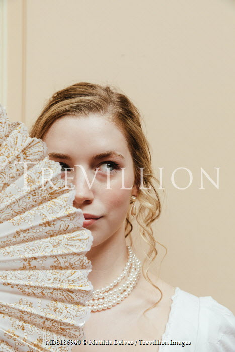 Matilda Delves BLONDE REGENCY WOMAN WITH FAN AND PEARLS
