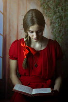 Ildiko Neer YOUNG WOMAN READING BOOK Women