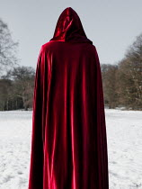 AlcainoCreative HOODED FIGURE STANDING IN SNOW Body Detail