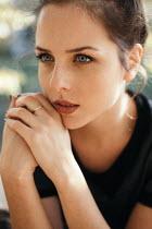 Nina Masic Close up of young woman