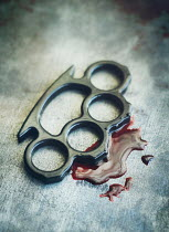 Mark Owen METAL KNUCKLE DUSTER WITH BLOOD Weapons