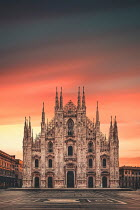 Evelina Kremsdorf CATHEDRAL AND EMPTY PIAZZA AT SUNSET